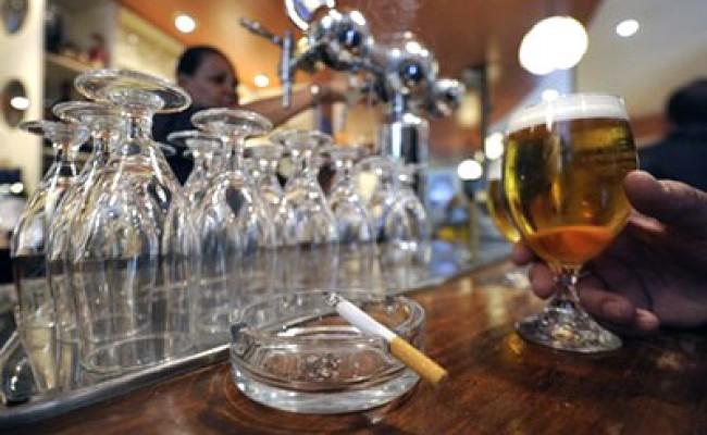 Владельцы баров и ресторанов поддержали курильщиков