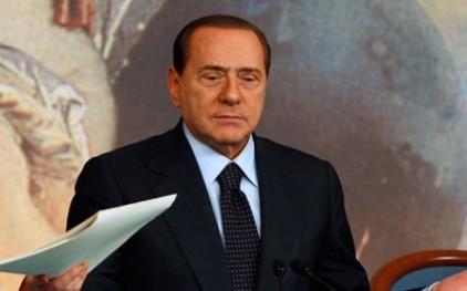 Берлускони пообещал вычистить Неаполь за две недели