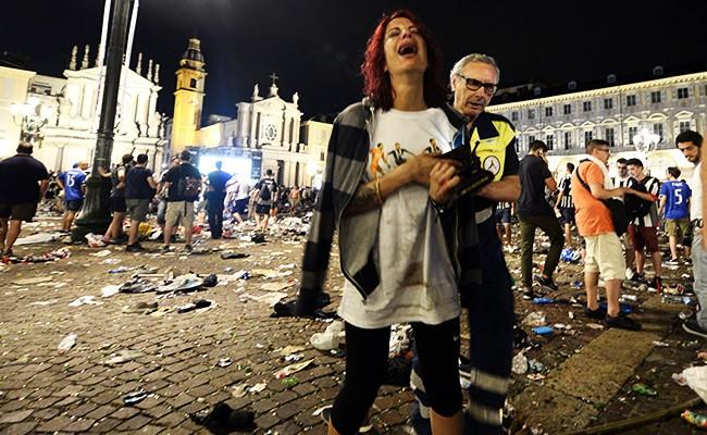 В Италии скончалась женщина, впавшая в кому после давки в Турине