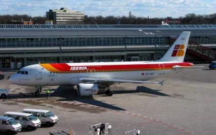 Агрессивный «стриптизер» сорвал полет испанского лайнера