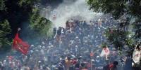 Около 200 полицейских ранены в столкновениях на севере Италии