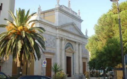 Итальянец вырвал себе глаза во время воскресной мессы в церкви