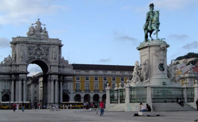 Португалию выбирают молодые и «продвинутые» туристы