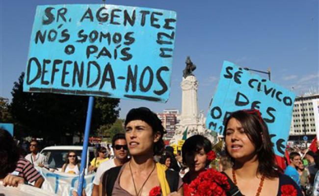 В Португалии проходят марши протеста против сокращения бюджетных трат