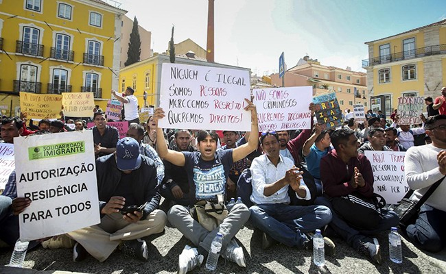 Португалия: визы - нелегальным иммигрантам