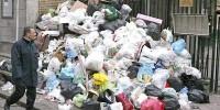 Под Неаполем продолжается мусорная война