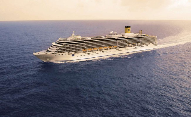 Италия: круизный лайнер чуть не врезался в прибрежное кафе