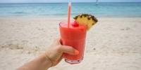 Туристов предупредили об опасном коктейле на курортах Испании