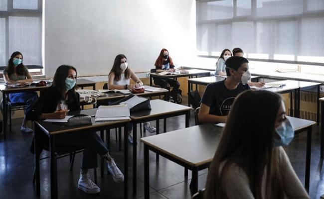 Италия: школьники будут ходить в масках