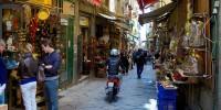 Италия: наплыв туристов в Неаполь растет