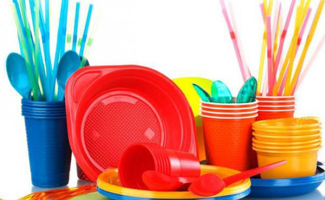 Испания запретит пластиковую посуду с 2021 года