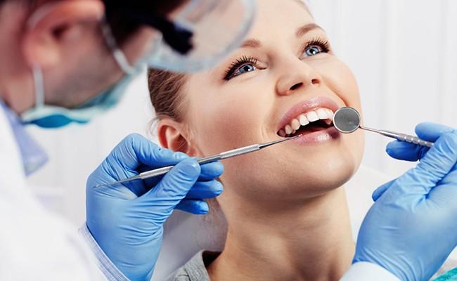 Британцы научились лечить зубы без пломб
