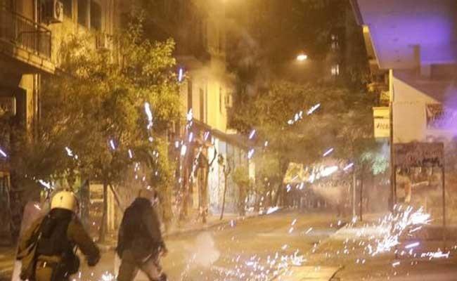 28 человек задержаны во время протестов в Афинах