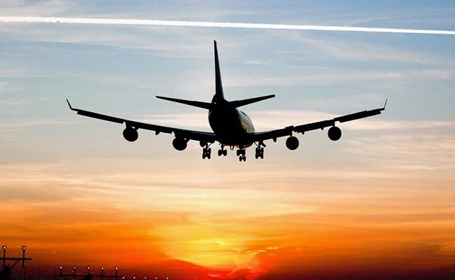В Испании двое британцев слепили лазером пилотов самолетов