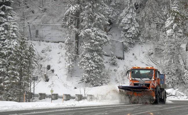 Италия: в Альпах неожиданно выпал снег