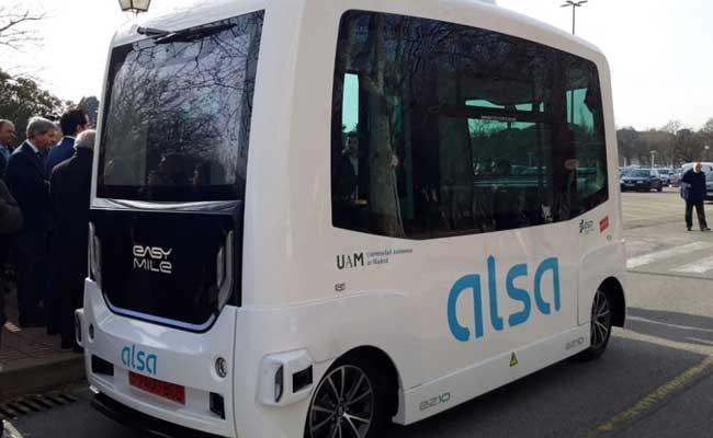 Испания: студентов будет возить автобус без водителя