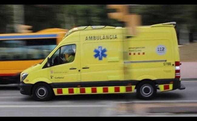 Испания: в Жироне автомобиль врезался в террасу бара