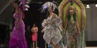В Испании прошел красочный конкурс бумажных платьев