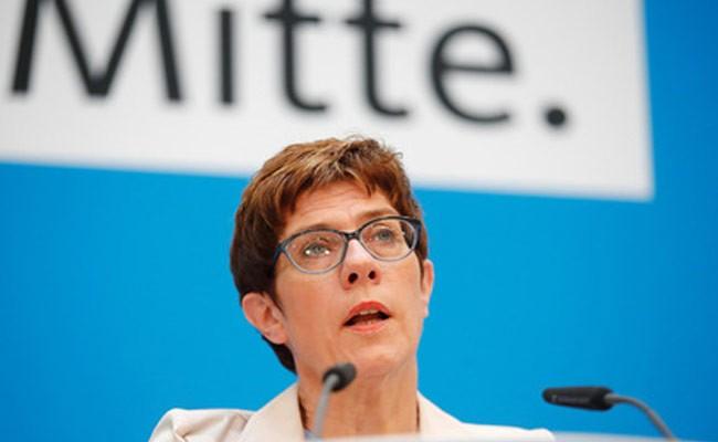 Преемница Меркель защитит Германию