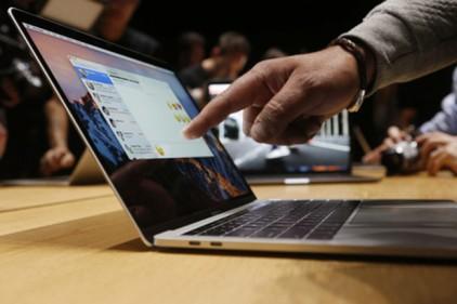 США запретили провозить в самолетах ноутбуки Apple