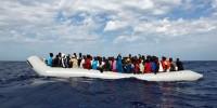 Италия: более 1100 спасенных нелегалов на Средиземном море