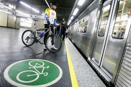 Испания: в мадридское метро станут чаще пускать с велосипедами