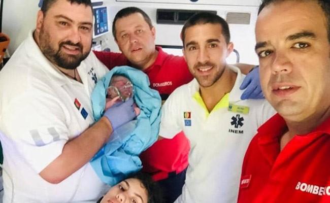 Португалия: пожарные приняли роды по дороге в больницу