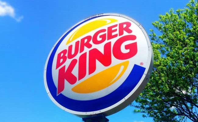 На Burger King подали в суд за рекламу в концлагере «Дахау»