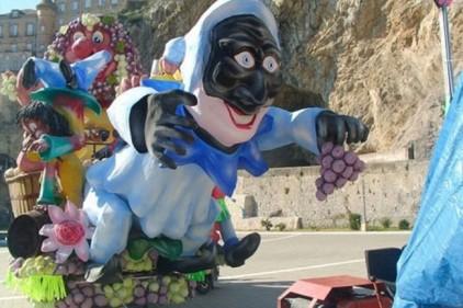 Италия: большой карнавал в Майори