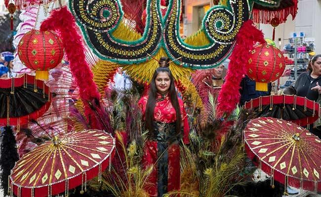 Италия: Летний карнавал 2017 в Торре-Дель-Греко