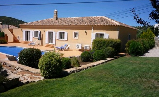 Португалия: государство распродает недвижимость
