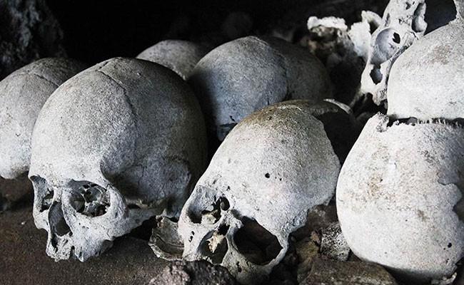 Сотрудники кладбища в Италии сдавали в ломбард черепа