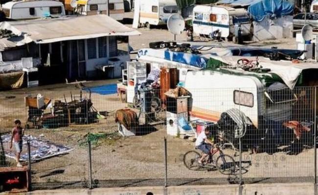 В Италии расселяют незаконные цыганские лагеря