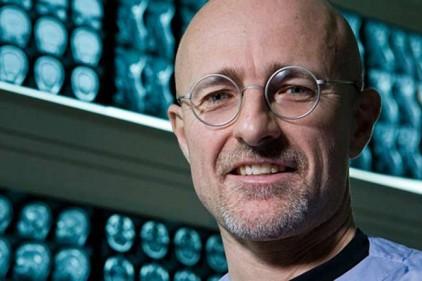 Итальянский хирург собирается пересаживать мозг