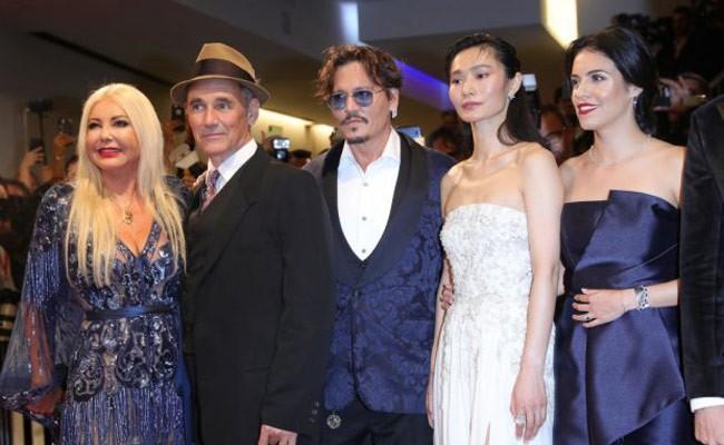 Италия: Джонни Депп появился на Венецианском кинофестивале