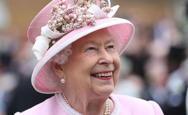 Королева Елизавета разочаровалась в британских политиках