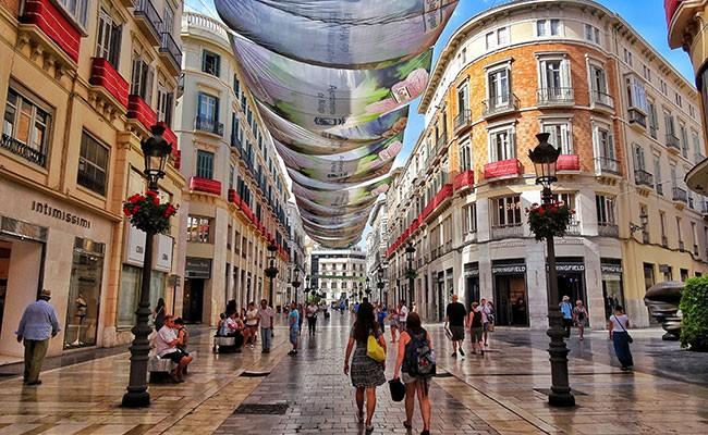 Испания стала второй в мире страной по числу туристов