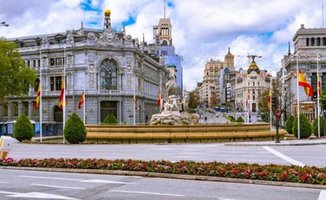 Испания готовится к рекордно низкому летнему туристическому сезону