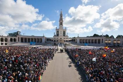 Португалия: стартовало международное паломничество в Фатиму