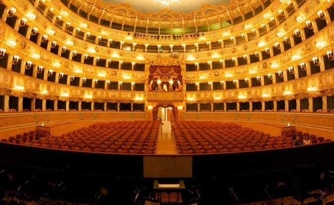 Италия: в Ла Скала собирают средства для пострадавшего театра Венеции