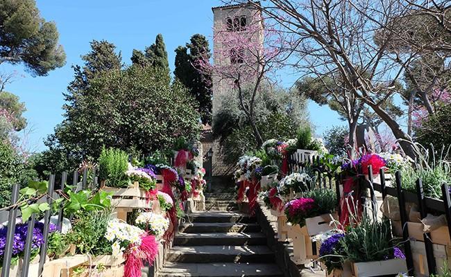 Цветочный фестиваль в Испанской деревне