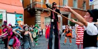 Италия: фестиваль уличных артистов в Неаполе