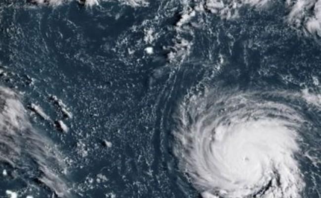 Мощнейший ураган угрожает Америке