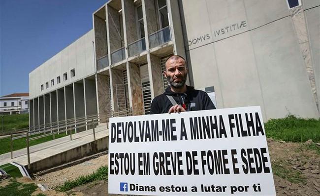 Португалия: мужчина объявил голодовку