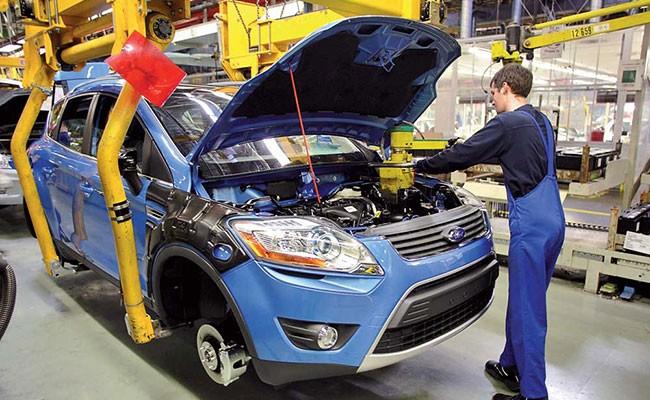 Ford внедрил экзоскелеты для рабочих