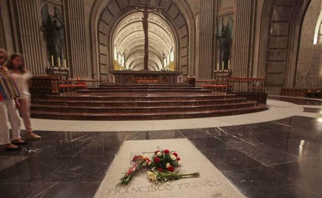 Испания: эксгумация останков Франко назначена на 10 июня