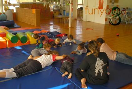Португалия: «Веселая йога» для детей - в коммерческом центре «Alegro»