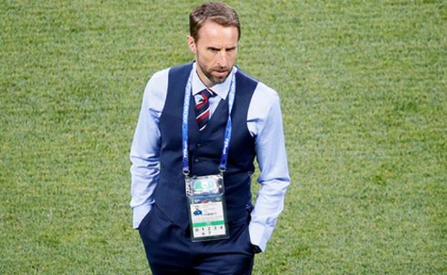 Стильная жилетка тренера английской сборной спасет больных раком