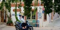 Греция потребует справку об отсутствии коронавируса при въезде в страну