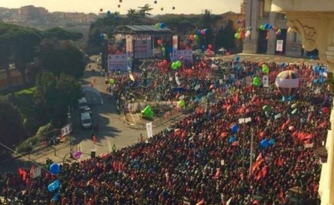 Сотни тысяч итальянцев вышли на антиправительственный протест